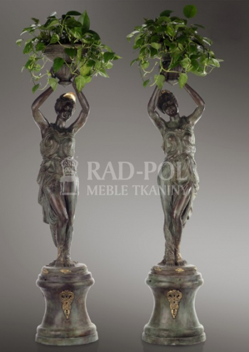 8334 Pair of venuses with flowerpot